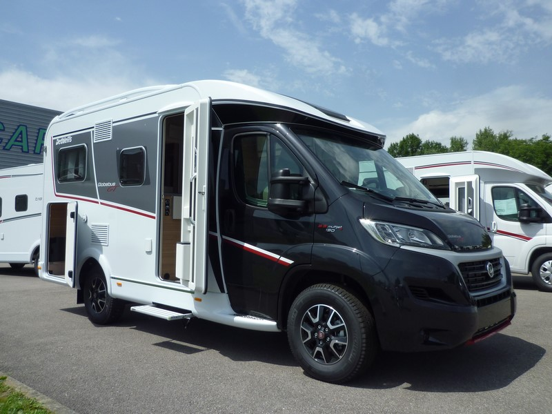 camping car dethleffs globebus t1 gt black isacar. Black Bedroom Furniture Sets. Home Design Ideas